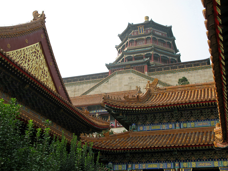 Tower of the Fragrance of the Buddha and overall view