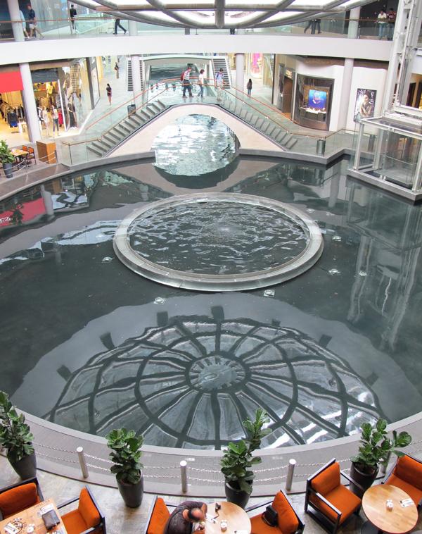 Marina Bay Sands, Shopping Mall