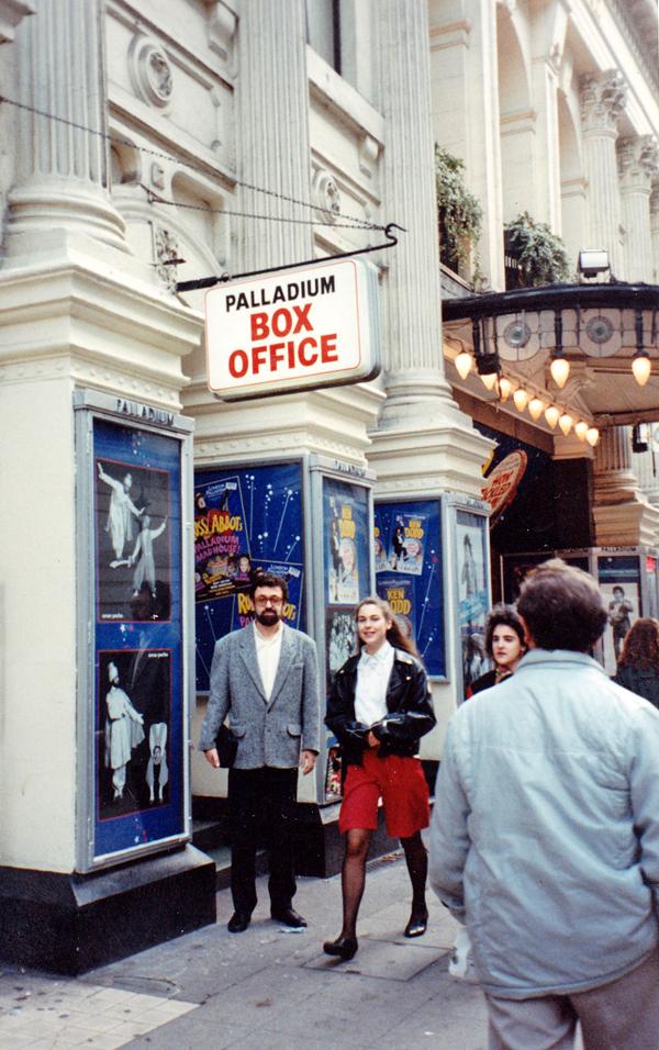 Londres Ken Dodd 1990 affichage OP_modifié-2_modifié-1 copie_modifié-2